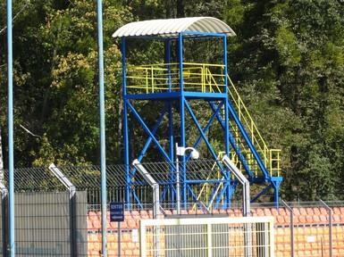 Wieża telewizyjna do prowadzenia transmisji TV wydarzeń sportowych